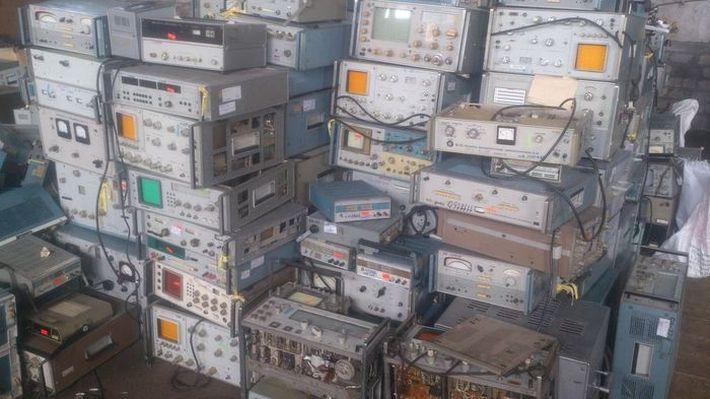 Разборка старых бытовых аппаратов фото